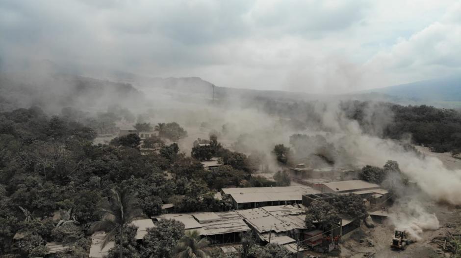 Martes: San Miguel Los Lotes, ahora conocida como la zona cero, vista desde la lente de un dron. (Foto: Wilder López/Soy502)