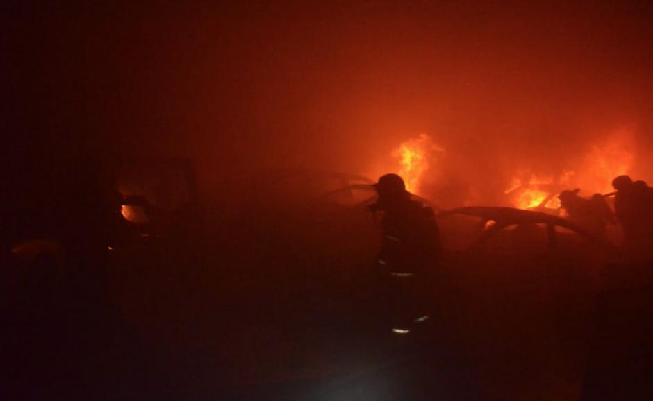 El incendio ocurrió en la avenida Hincapie. (Foto: Bomberos Voluntarios)