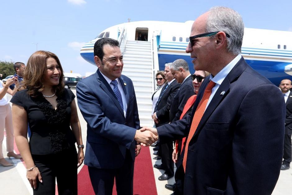 El presidente Jimmy Morales viajó a Israel en un avión privado que le prestó un empresario de casinos. (Foto: Archivo/Soy502)