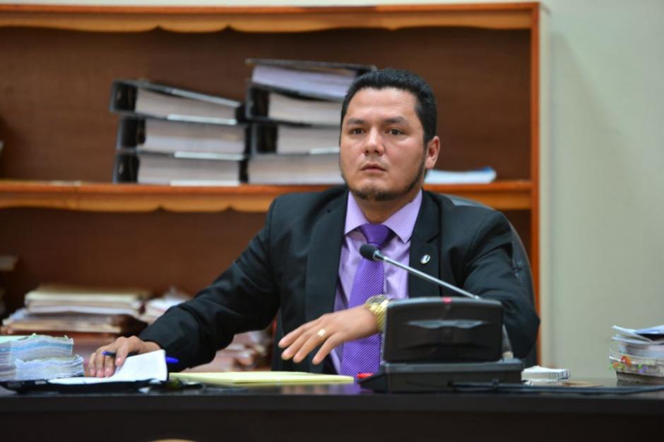 El juez Fredy Ariel Leonardo Hernández resolverá en ausencia del juez Miguel Ángel Gálvez, quien inició un periodo de vacaciones. (Foto: Jesús Alfonso/Soy502)
