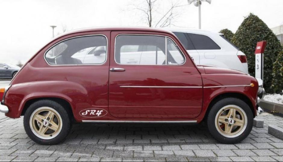 El Fiat 600 de Sergio Ramos es el más pequeño en el parqueo del Real Madrid. (Foto: Instagram)