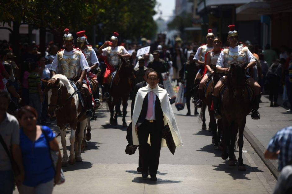 El grupo de romanos salió acompañando la procesión. (Foto: Wilder López/Soy502)