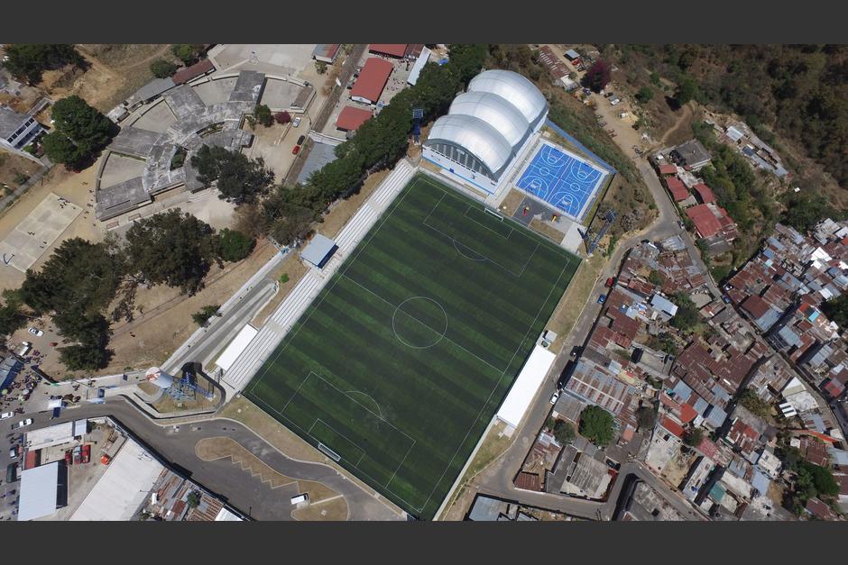 El complejo deportivo de Mixco está abandonado desde hace dos años. (Foto: Wilder López/Soy502)