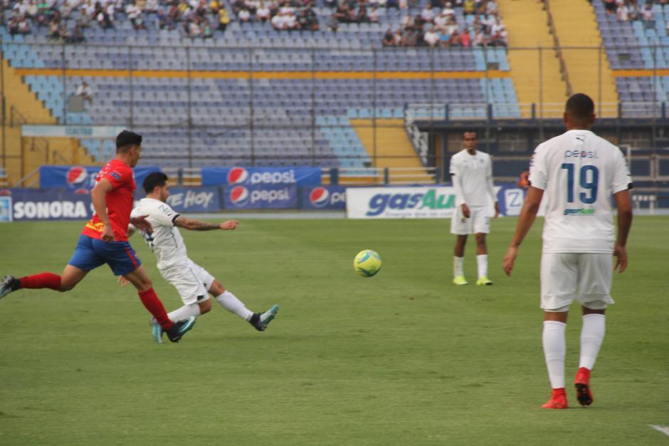 Pese al esfuerzo de los Cremas, el gol nunca llegó. (Foto: Fredy Hernández/Soy502)