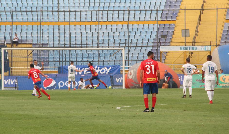 Gastón Puerari anotó el único gol del encuentro. (Foto: Fredy Hernández/Soy502)