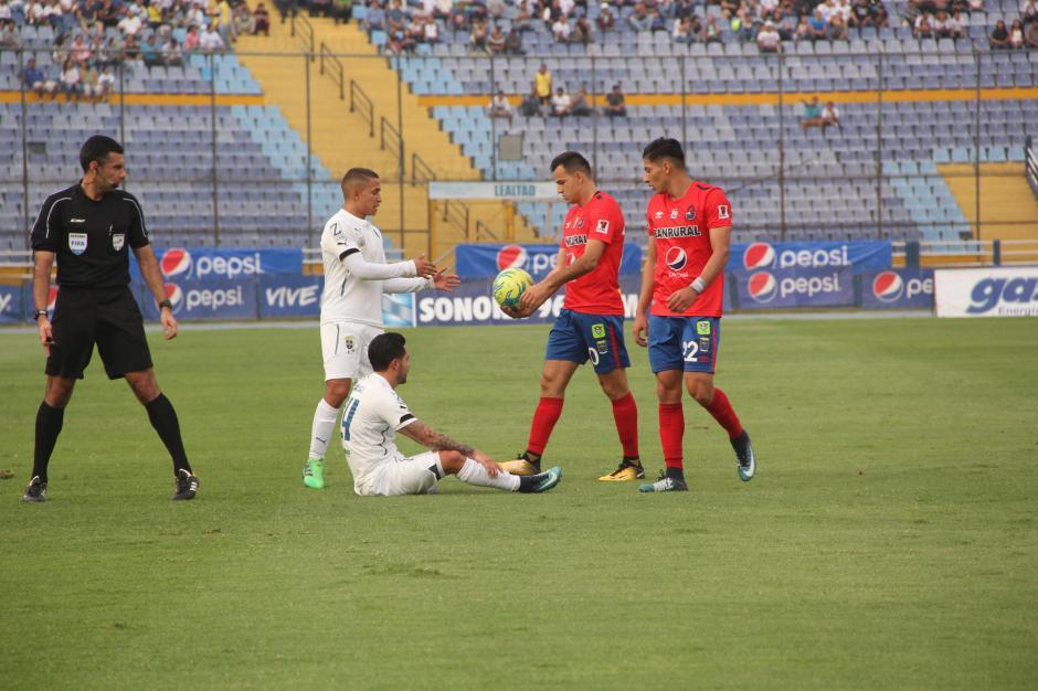 Municipal rompió la seguidilla de empates en los clásicos del fútbol guatemalteco. (Foto: Fredy Hernández/Soy502)