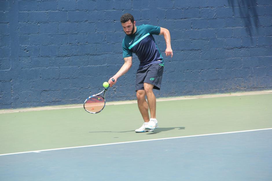 Los juegos finales se realizaron desde horas de la mañana en la Federación Nacional de Tenis. (Foto: Fredy Hernández/Soy502)