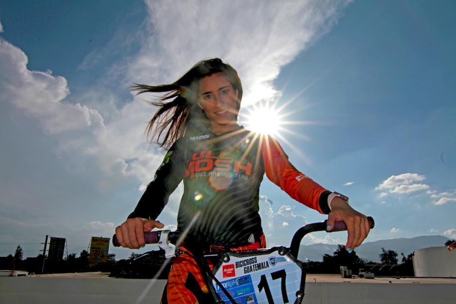 Marisa Méndez es la máxima exponente del BMX femenino en Guatemala. (Foto: Luis Barrios/Soy502)