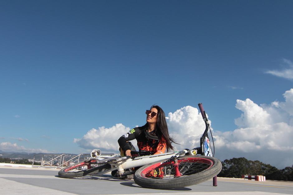 María Isabel, a sus 23 años, triunfa no solo en la pista, sino en las redes sociales con sus fotos. (Foto: Luis Barrios/Soy502)