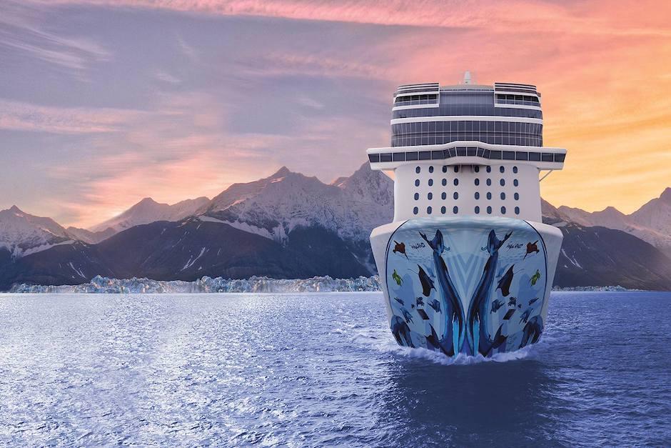 """Exhibe el mural """"Navegando con las ballenas"""", del estadounidense Robert Wyland. (Foto: bliss.ncl.com)"""