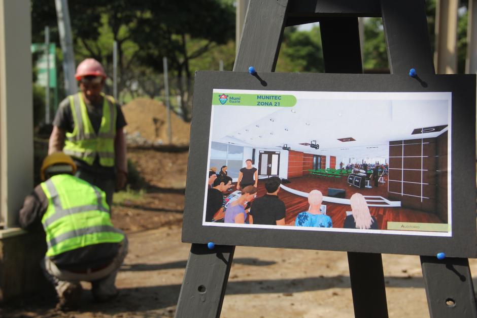 Los obreros trabajan arduamente para concluir lo más pronto posible el edificio. (Fredy Hernández/Soy502)