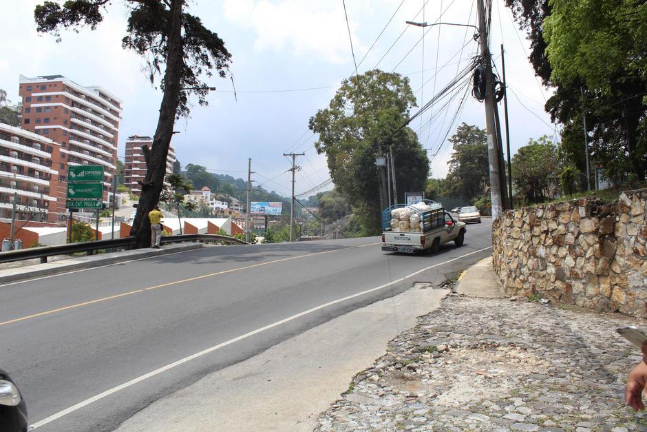 La 20 calle de la zona 10 es una de las rutas más transitadas entre ambos municipios. (Foto: Valeria Barillas/Soy502)