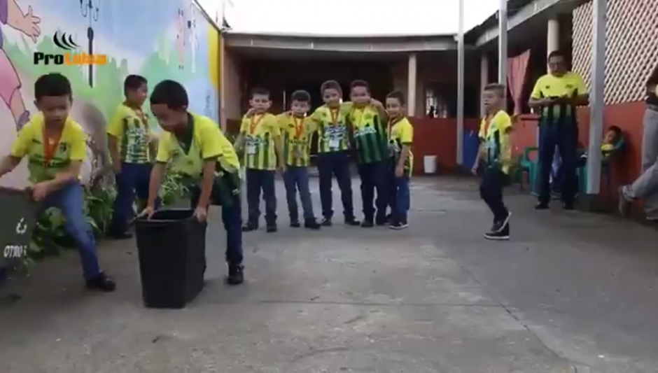 Los niños son los protagonistas en el video motivacional de Guastatoya. (Foto: Captura de video)