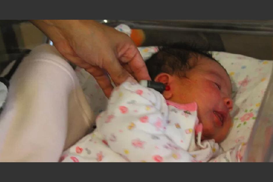 Guadalupe, la bebé que nació en la caravana del migrante podría quedarse a vivir en México. (Foto: Notimundo)