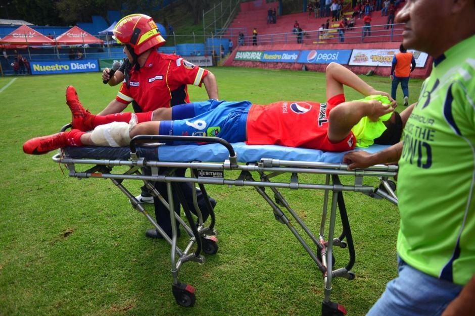 Martínez podría tener una fisura en su pierna izquierda. (Foto: Jesús Alfonso/Soy502)