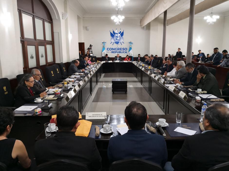 El rector Murphy Paiz le solicitó más recursos para la Usac a los diputados. (Foto: José Miguel Castañeda/Soy502)