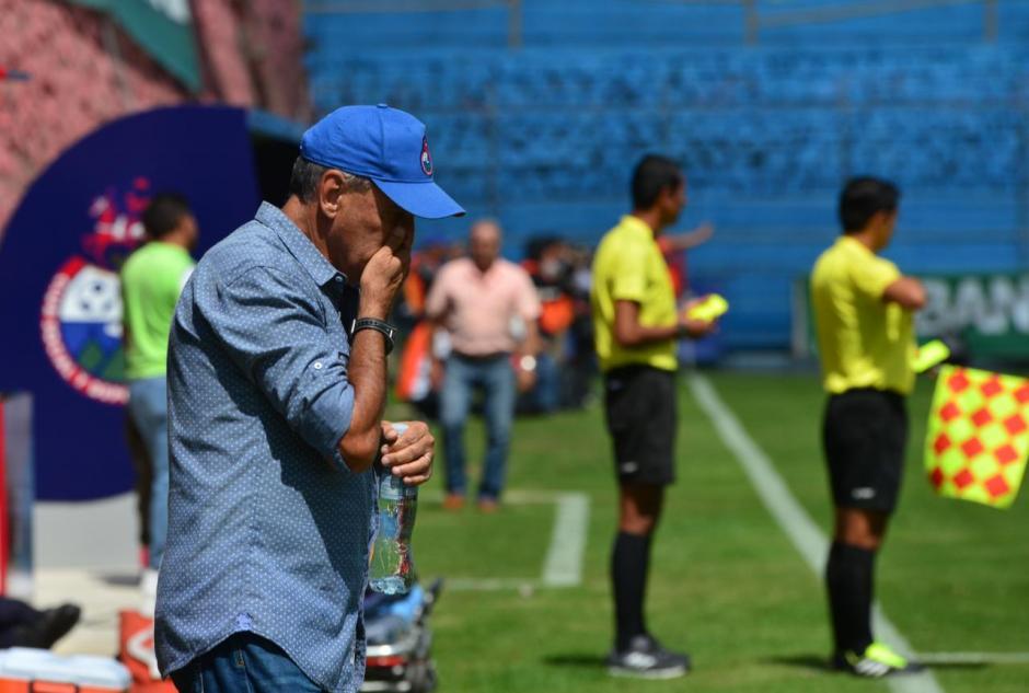 Horacio Raúl Cordero se lamenta por el penal en contra. (Foto: Jesús Alfonso/Soy502)