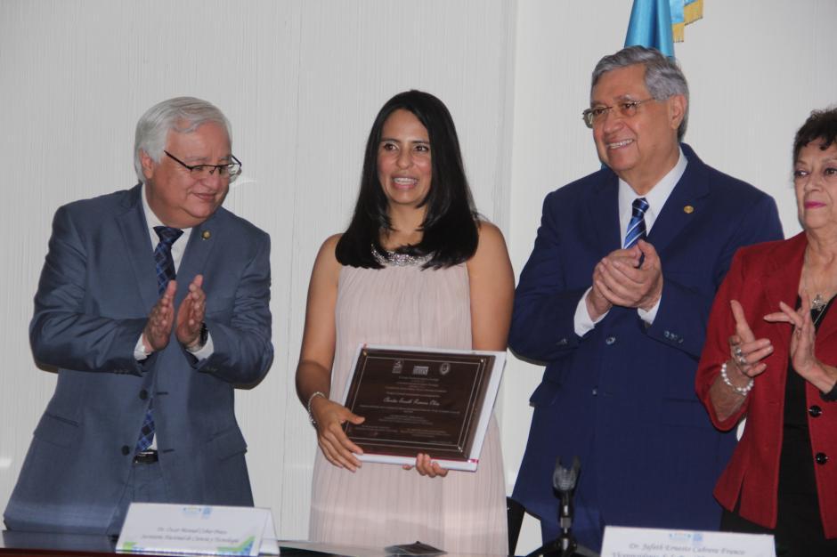 La científica ha logrado publicar artículos en revistas especializadas a nivel internacional. (Foto: Fredy Hernández/Soy502)