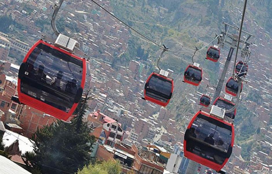 En abril Bolivia inauguró el teleférico de La Paz, con el que prometió reducir el congestionamiento vehicular. (Foto: Bolivia.com)