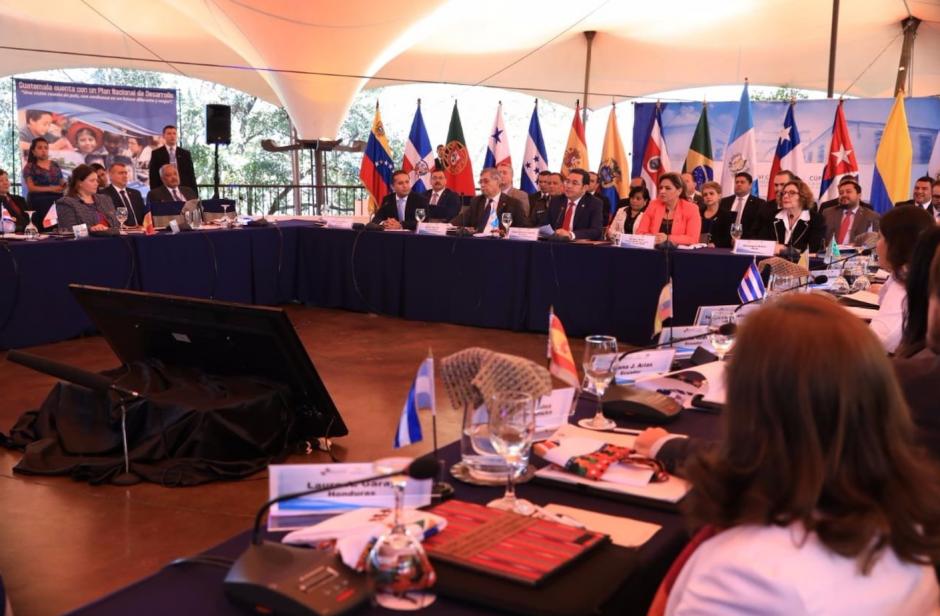 El presidente Jimmy Morales acudió a la inauguración de la 26 edición de la Cumbre Iberoamericana de Jefes de Estado y de Gobierno que se llevará a cabo durante la semana en Antigua Guatemala. (Foto: Presidencia)
