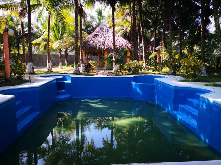 Cuenta con una piscina de grandes dimensiones. (Foto: MP)