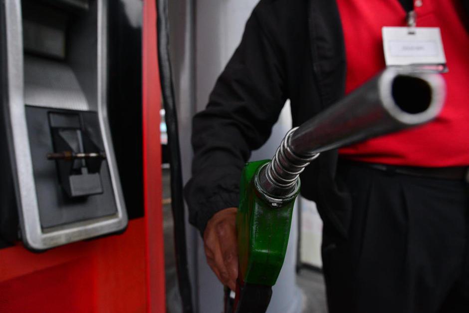 Los precios de los combustibles han bajado en las últimas semanas en Guatemala. (Foto: Archivo/Soy502)
