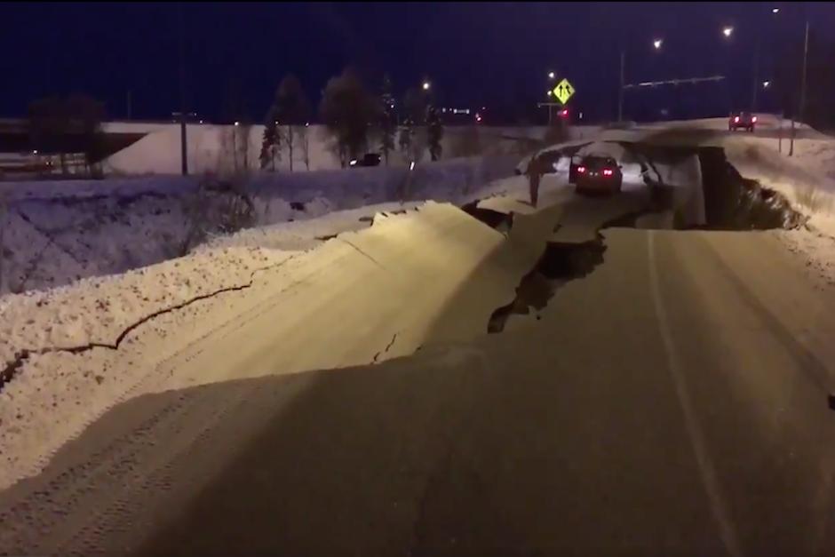 Fuertes imágenes del terremoto que azotó a Alaska