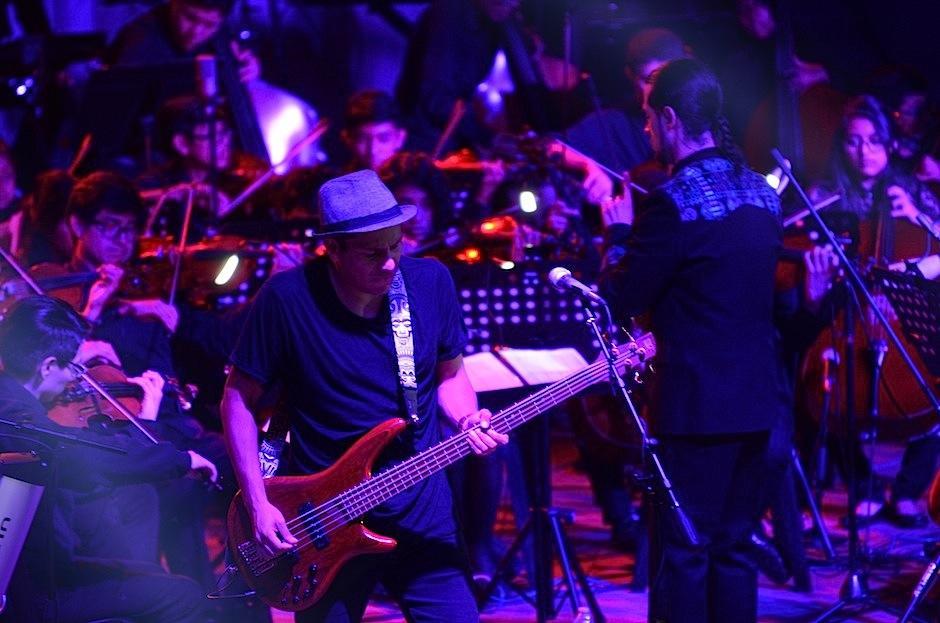 Josué García siguió el ritmo de los integrantes del SOG.  (Foto: Selene Mejía/Soy502)