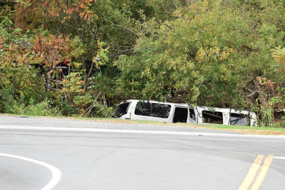 Los tripulantes del vehículo se dirigían hacia una boda cuando ocurrió el fatal accidente. (Foto: Twitter/@CBS6Albany)