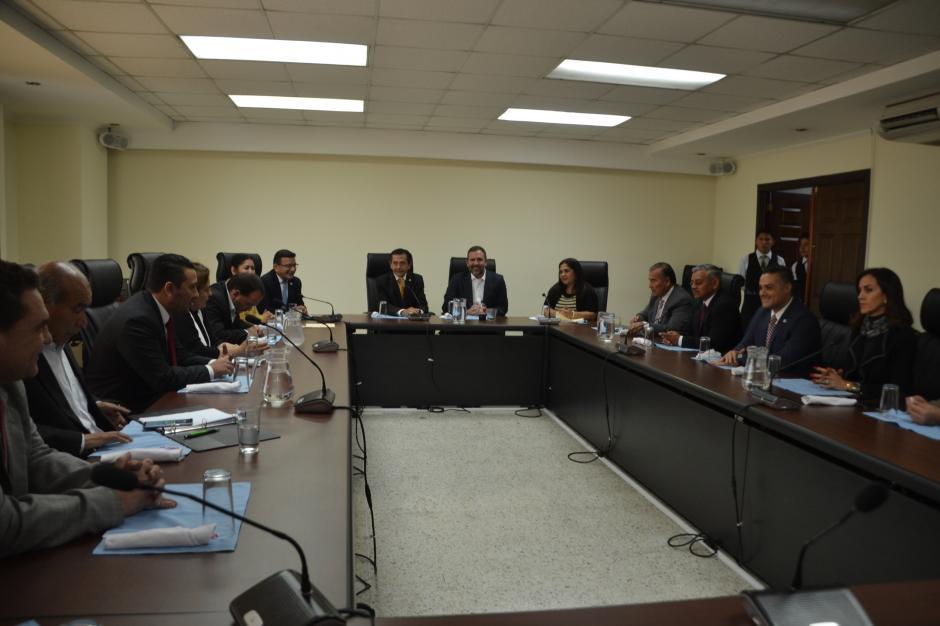 Este martes Arzú se reunió con los diputados del MR. (Foto: cortesía José Castro)