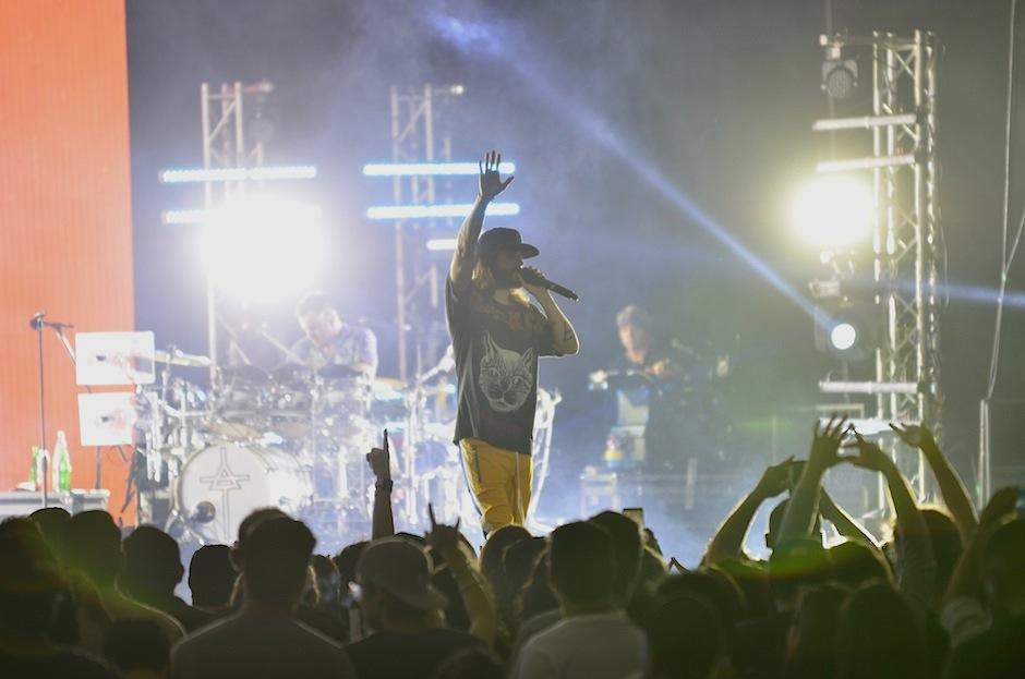 La banda dio toda su energía en el escenario.  (Foto: Selene Mejía/Soy502)