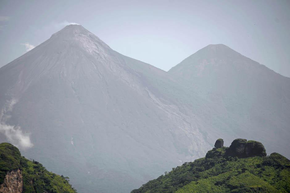 Reportan nuevo flujo de lava en volcán de Fuego, Guatemala
