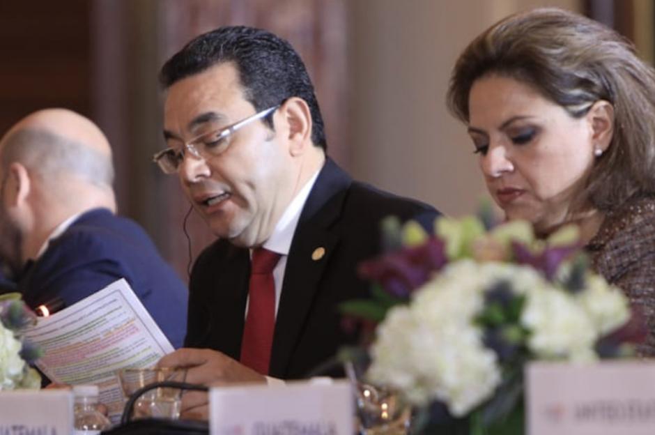 El presidente Jimmy Morales y la canciller Sandra Jovel participan en la segunda Conferencia para la Prosperidad y Seguridad en Centroamérica que se desarrolla en Washington. (Foto: Presidencia)