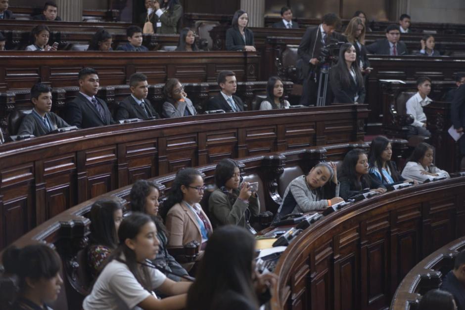 Los niños y adolescentes representan a los 22 departamentos del país. (Foto: Wilder López/Soy502)