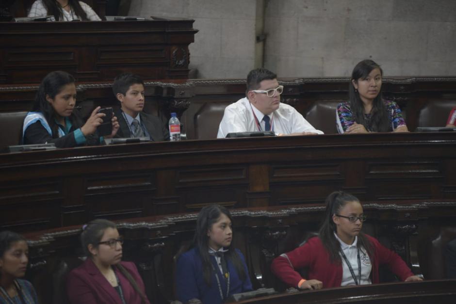 Los niños aprobaron un decreto simbólico. (Foto: Wilder López/Soy502)