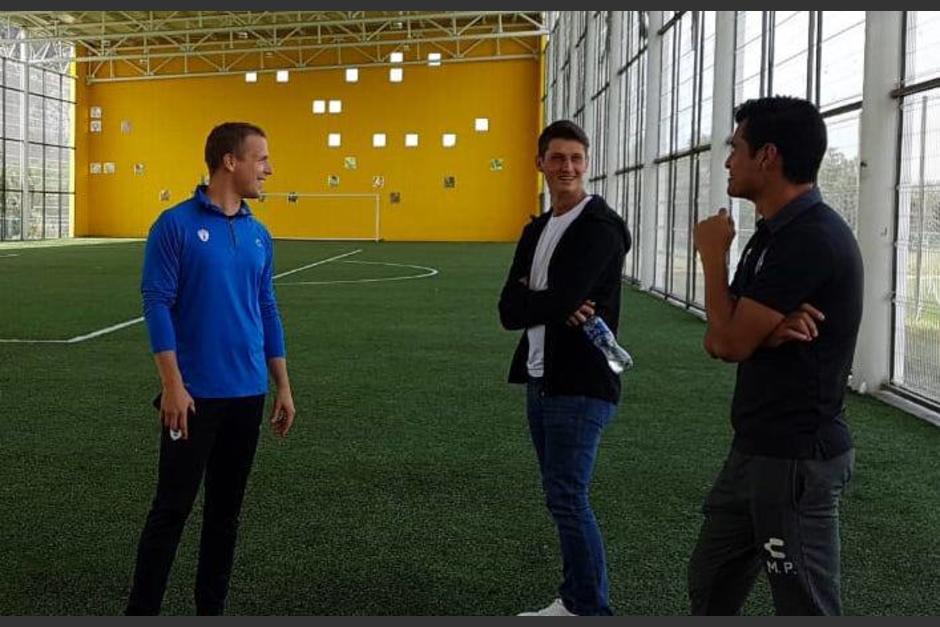 El futbolista guatemalteco Nicholas Hagen ya se encuentra en las instalaciones de la Universidad del Fú tbol sede del Club Pachuca, donde hará una prueba de 10 días. (Foto: Soy502)