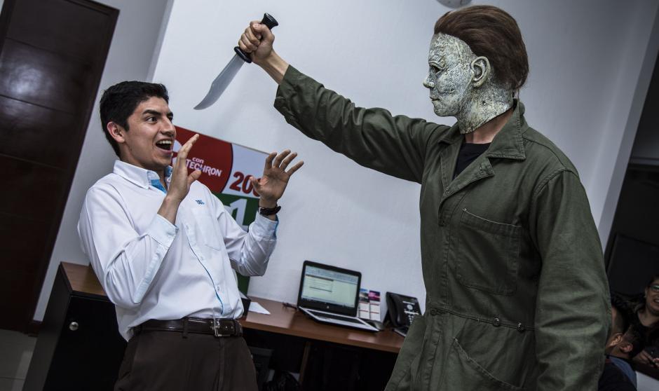 Colaboradores de Soy502 vivieron un momento tenebroso. (Foto: Victor Xiloj/Soy502)