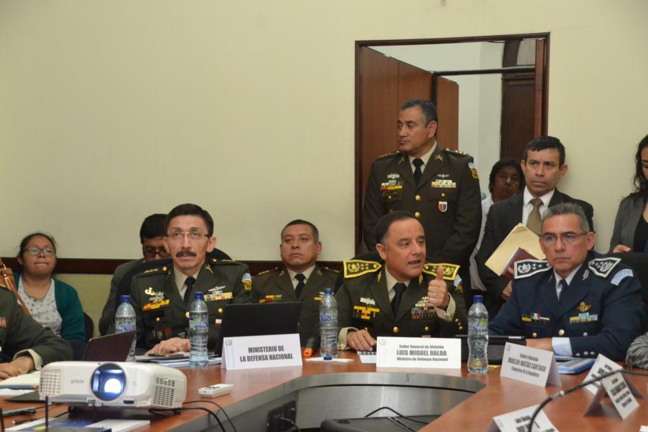 El ministro no supo explicar el destino del aumento solicitado. (Foto: cortesía José Castro)