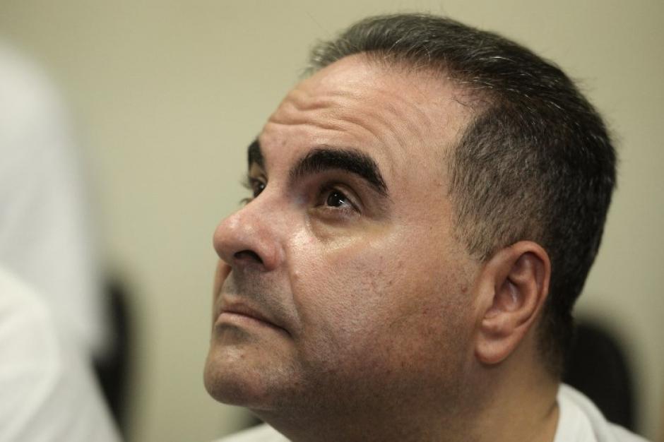 Condenan a 10 años de cárcel al expresidente salvadoreño