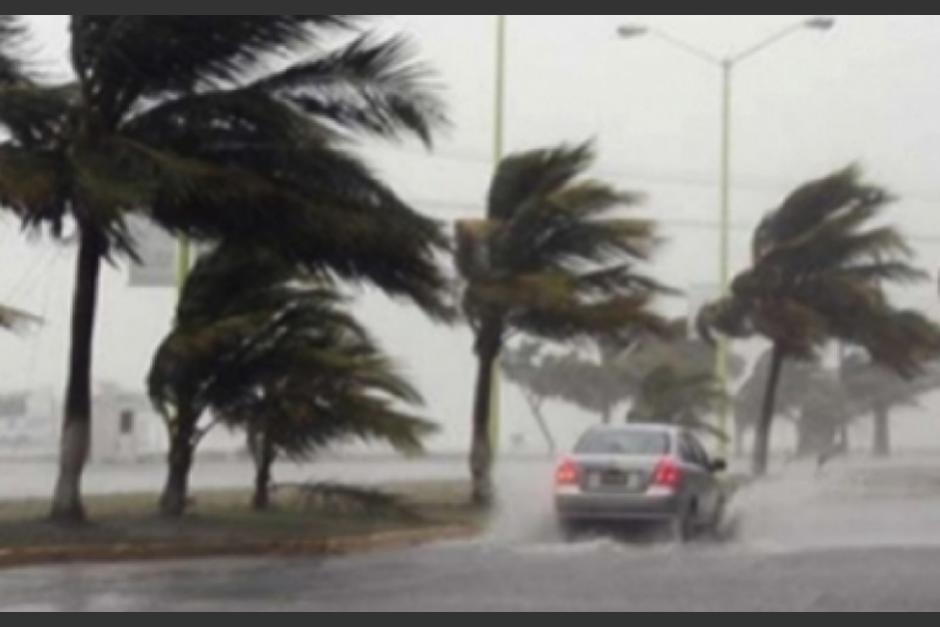 El huracán Florence pierde fuerza tras causar