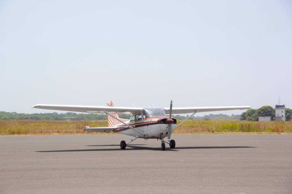 Las autoridades de Aeronáutica buscan que la pista pueda recibir vuelos internacionales.  (Foto: Fredy Hernández/Soy502)