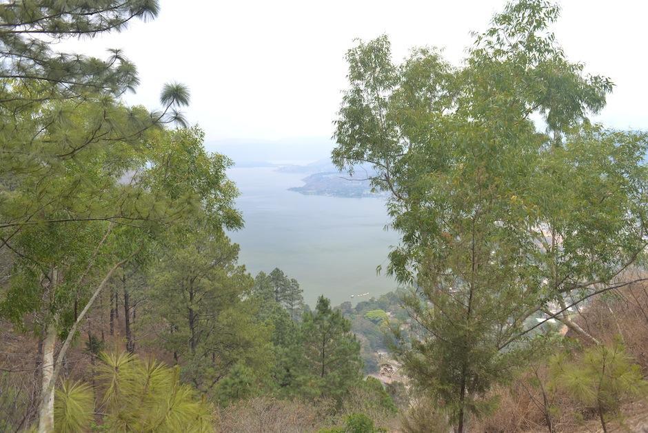 También puedes apreciar el lago de Amatitlán desde el mirador (Foto: Jesús Alfonso/Soy502)