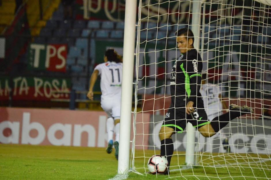 El segundo gol llegaría a los 55 minutos con anotación de Jorge Vargas. (Foto: Rudy Martínez/Soy502)