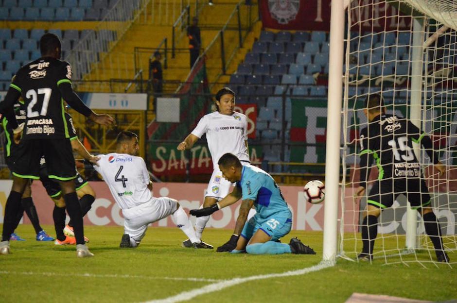 Comunicaciones anotó el primer gol al minuto 47. (Foto: Rudy Martínez/Soy502)