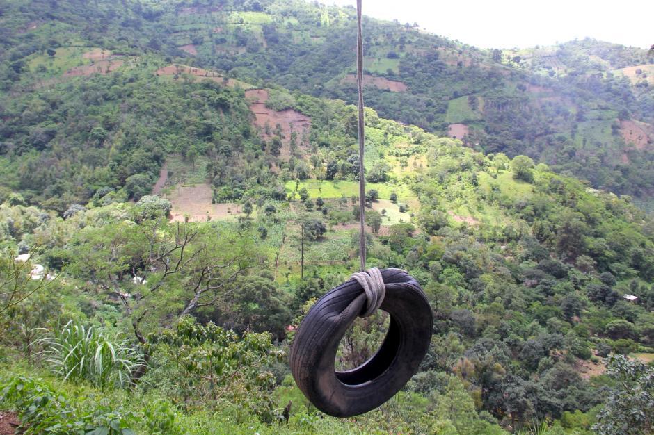Columpiarte y disfrutar de la vista desde el cerro es algo que debes experimentar. (Foto: Fredy Hernández/Soy502)