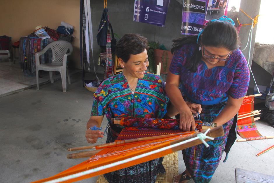Con el grupo Manos de Fe aprenderás sobre las costumbres y tradiciones de San Antonio Aguas Calientes. (Foto: Fredy Hernández/Soy502)