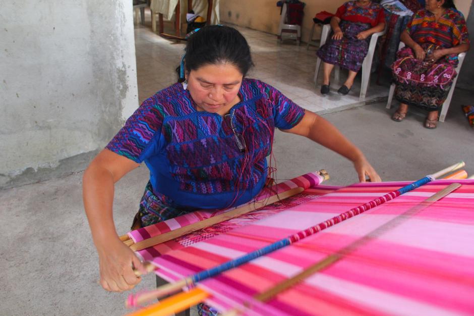 Es el único pueblo donde se elaboran güipiles de doble brocado. (Foto: Fredy Hernández/Soy502)