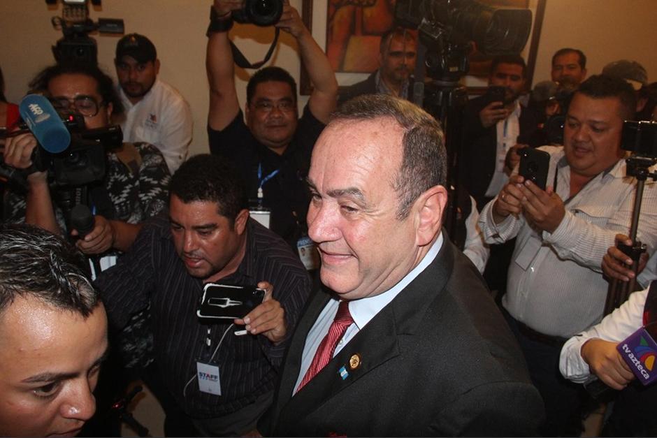 El candidato por Vamos, Alejandro Giammattei afirmó que cancelarán a la UNE. (Foto: Luis Barrios/Soy502)