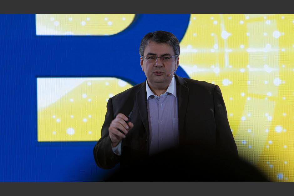 Luis Quezada, director de R&D Byte, compartió sobre la evolución del internet. (Foto: George Rojas/Soy502)