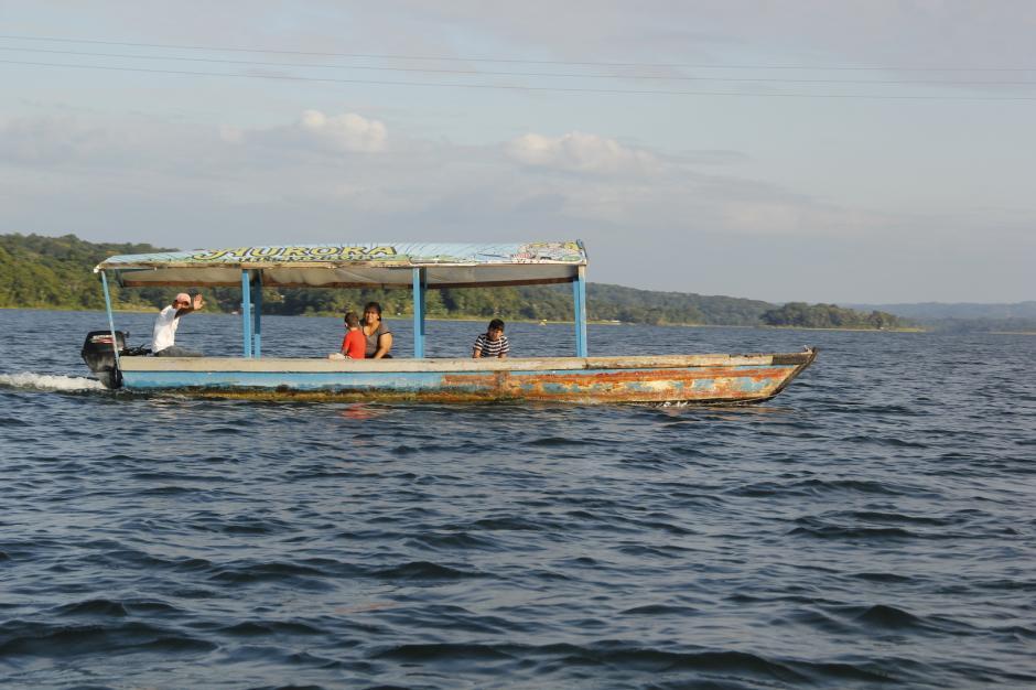 El lago Petén Itza cuenta con muchos atractivos que debes conocer. (Foto: Fredy Hernández/Soy502)